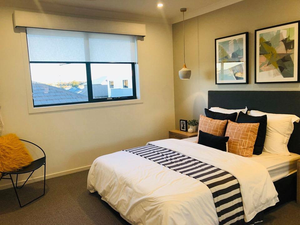 Phòng ngủ của biệt thự Sydney Úc được thiết kế cửa sổ để tăng ánh sáng tự nhiên
