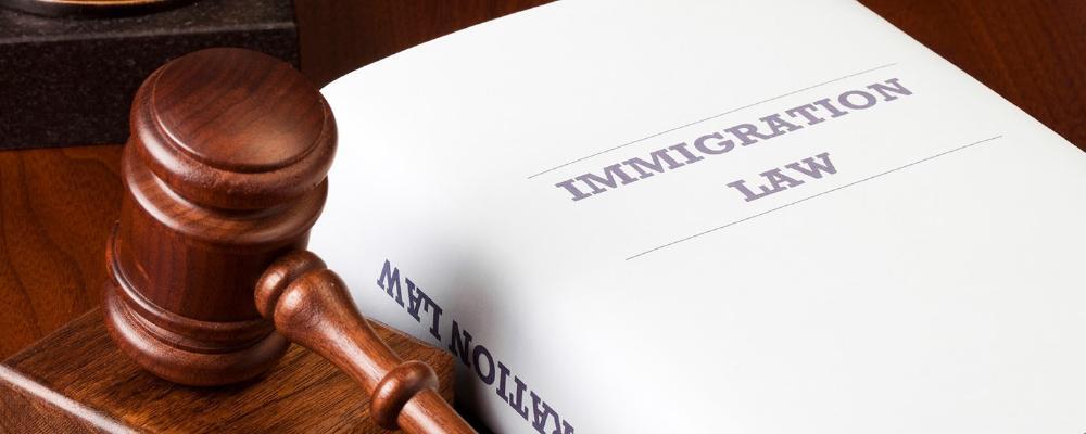 Luật nhập cư Mỹ ngày một phức tạp