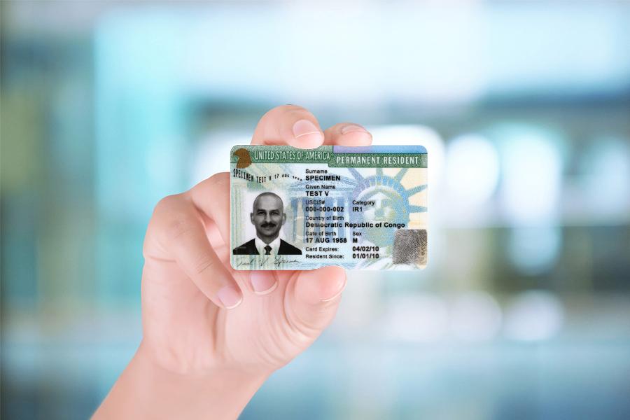 Visa định cư Mỹ là tấm thẻ xanh, thẻ thường trú Mỹ